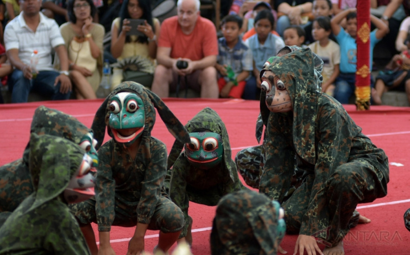 Dongeng Rakyat Bali pada Pentas Kesenian Bali 2017