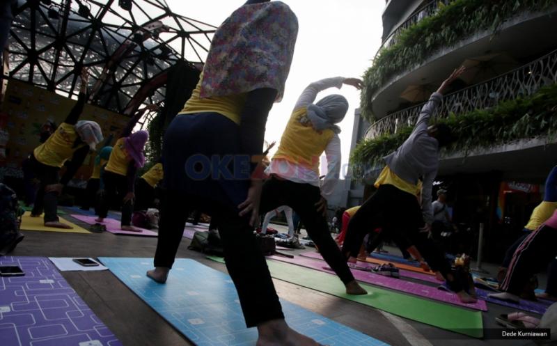 Menjaga Kesehatan lewat Gerakan Yoga