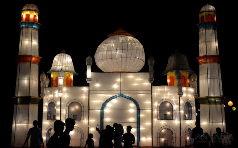 Keindahan Lampion pada Nusa Dua Light Festival