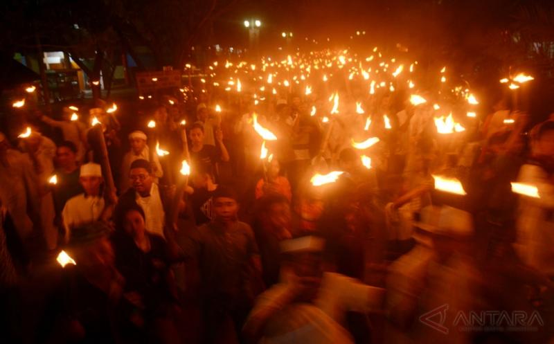 Jalin Silaturahmi, Pemuda Maros Rayakan Festival 1000 Obor