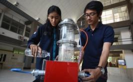 <p>  Alat purifikasi biogas otomatis yang akan mereduksi gas polutan pada biogas dan menghasilkan produk biogas dengan kadar methane (CH4) yang tinggi tersebut sesuai dengan karakteristik tanam biogas di Indonesia bekerja secara otomatis mampu meningkatkan kualitas produk biogas secara signifikan.</p>