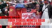 Sambil Orasi, Forum Syuhada Indonesia Bakar Spanduk dan Kepala Naga di Depan Gedung DPR MPR