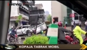 Kopaja Tabrak Mobil di Kuningan