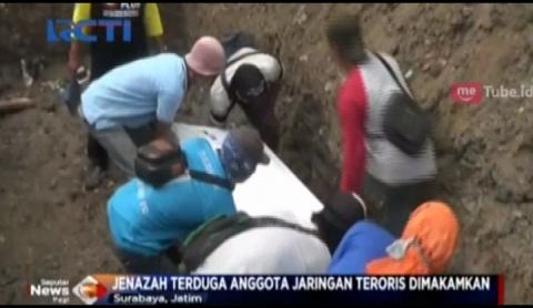 4 Jenazah Terduga Teroris Dimakamkan